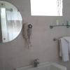 hibiscus_deluxe bathroom-2